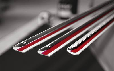 Barra pre-incollata e brevettata, per una rapida e perfetta applicazione - Scarioni Printing Systems